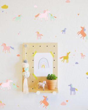 Wandtattoo für das Kinderzimmer für kleine Einhorn-Fans.