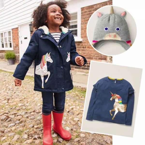 Einhorn Kindermode von Mini Boden. Mode mit Einhorn-Motiv für den Sommer. Kleid, Badeanzug oder T-Shirt, die Einhorn Mode für Mädchen ist ein Muss für alle Einhornfans.