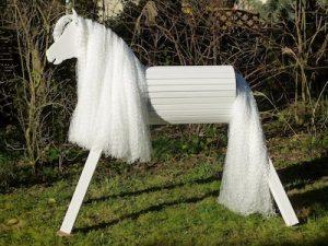 Holzpferd / Voltigierpferd für den Garten
