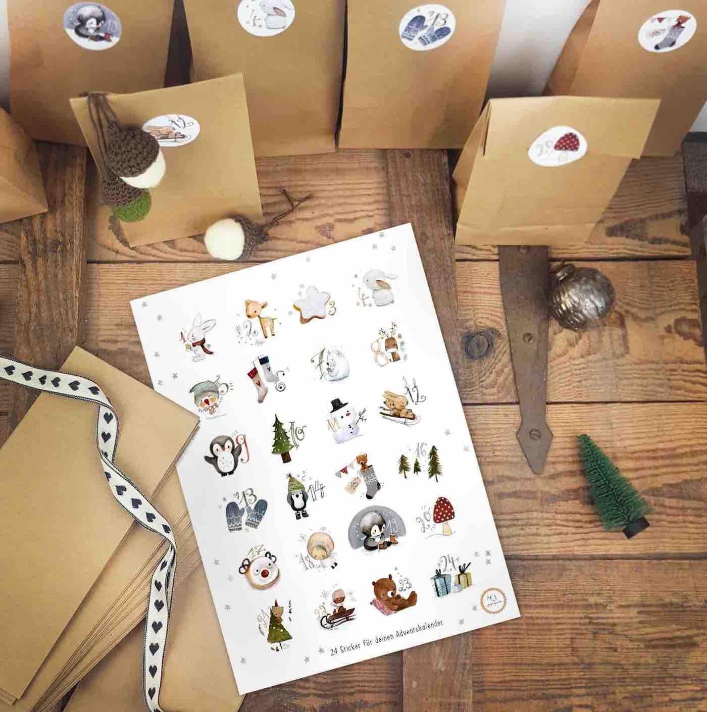 Adventskalender-Sticker im Set mit Tüten für Kinder.